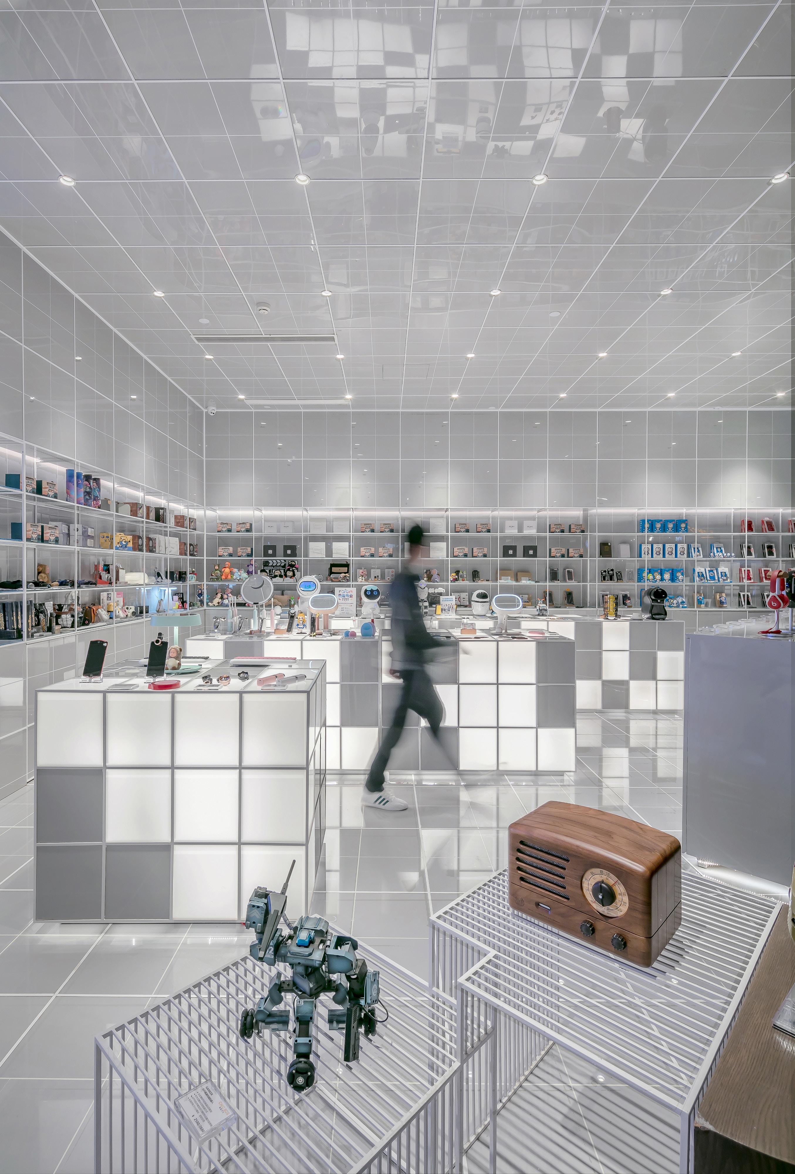 future retail store